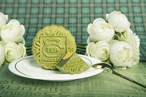 Bánh trung thu trà xanh ngon được khách hàng lựa chọn